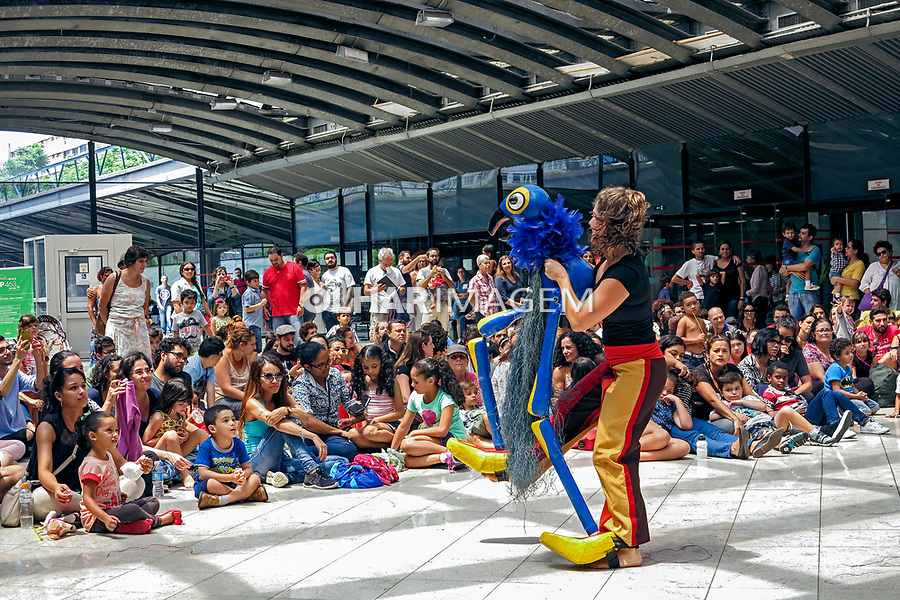 Apresentaçao de teatro infantil no Centro Cultural São Paulo. 2017. Foto de Marcia Minillo.