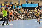 Rhein Neckar Loewe Jerry Tollbring (Nr.17) beim sieben Meter gegen Nantes Cyril Dumoulin beim Spiel in der Handball Champions League, Rhein Neckar Loewen - HBC Nantes.<br /> <br /> Foto &copy; PIX-Sportfotos *** Foto ist honorarpflichtig! *** Auf Anfrage in hoeherer Qualitaet/Aufloesung. Belegexemplar erbeten. Veroeffentlichung ausschliesslich fuer journalistisch-publizistische Zwecke. For editorial use only.