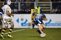 Rhys Priestland of Bath Rugby scores a try in the first half. Aviva Premiership match, between Bath Rugby and Wasps on December 29, 2017 at the Recreation Ground in Bath, England. Photo by: Patrick Khachfe / Onside Images