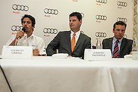 SAO PAULO, SP, 06 DE MARCO 2013 - AUDI E LUCAS DI GRASSI - O piloto Lucas Di Grassi é apresentado pelo presidente da Audi no Brasil Leandro Radomile, no Restaurante Vento Haragano, na Avenida Rebouças, na regiao oeste, da capital, nesta quarta-feira (06). O brasileiro formará a equipe que correra a prova 12 Horas de Sebring que acontecera no dia 16 de marco. (FOTO: POLINE LYS / BRAZIL PHOTO PRESS).