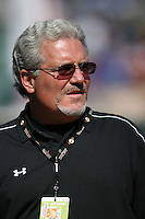 Giants general manager Brian Sabean before the San Francisco Giants vs Chicago Cubs at Ho Ho Kam Park in Mesa, AZ on March 1, 2007. Photo by Brad Mangin / Sports Illustrated