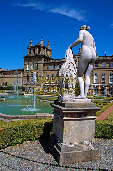 Blenheim Palace, Woodstock, near Oxford, Oxfordshire, England. Female nude statue in upper water terrace