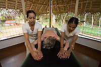 Mararikulam, Kerala, India, April 2008. Oil treatment at the ayurveda centre. Marari Beach Resort by CGH Earth is the prime spot for a luxory beach holiday. The backwaters of Kerala and the Malabar coast are reknowned for its rich history and its importance for the spice trade. Photo by Frits Meyst/Adventure4ever.com