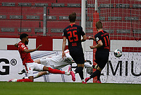 24th May 2020, Opel Arena, Mainz, Rhineland-Palatinate, Germany; Bundesliga football; Mainz 05 versus RB Leipzig; Jeremia St. Juste (FSV Mainz 05) and keeper Florian Mueller (FSV Mainz 05) as Timo Werner (RB Leipzig) shoots and scores for 0-4