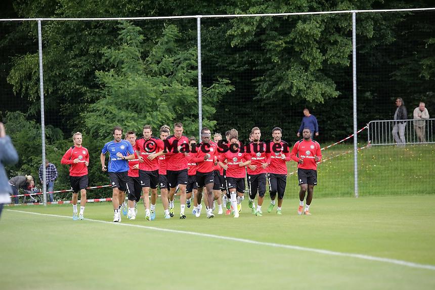 - Eintracht Frankfurt Trainingsauftakt