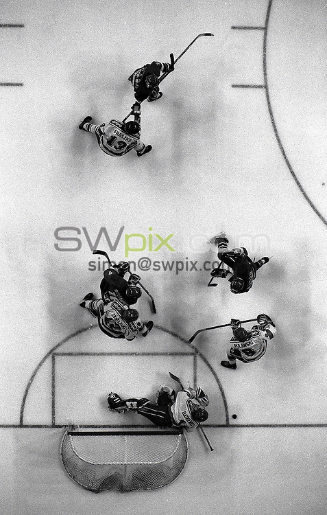 Pix:Michael Steele/SWpix...Ice Hockey, Sheffield, 1993...COPYRIGHT PICTURE>>SIMON WILKINSON..Ice Hockey, Sheffield, 1993.