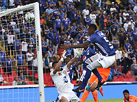 BOGOTÁ- COLOMBIA,14-07-2019:Jose Luis Moreno (Der.) jugador de Millonarios disputa el balón con Santiago Londoño (Izq.) jugador del Envigado durante la primera fecha de la Liga Águila II 2019 jugado en el estadio Nemesio Camacho El Campín de la ciudad de Bogotá. /Jose Luis Moreno (R) player of Millonarios fights the ball  against of Santiago Londono (L) player of Envigado during the  match for the date 1 of the Liga Aguila II 2019 played at the Nemesio Camacho El Campin stadium in Bogota city. Photo: VizzorImage / Felipe Caicedo / Staff