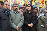 Milano, corteo per chiedere la liberazione del leader del Pkk, Abdullah Ocalan, in carcere dal 1999. da sinistra, Faysal Sariyildiz deputato, Mahmut Sakar avvocato di Ocalan, Dilek Ocalan nipote di Ocalan.<br /> Milan, march to demand the release of PKK leader Abdullah Ocalan, in prison since 1999. from left, Faysal Sariyildiz deputy, Mahmut Sakar Ocalan lawyer, Ocalan niece Dilek &Ouml;calan.<br /> Feb 11,2017