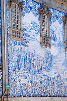 azulejos on carmelitas church with porto portugal