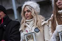"""Gedenken am Dienstag den 19. Dezember 2017 anlaesslich des 1. Jahrestag des Terroranschlag auf den Weihnachtsmarkt auf dem Berliner Breitscheidplatz am 19.12.2016 durch den Terroristen Anis Amri.<br /> Im Bild: Aus Solidaritaet mit den Angehoerigen und den Opfern hat die Firma """"Weihnachtsmarkt am Schloss Charlottenburg"""" Frauen von einer Agentur gemietet, die als Engel verkleidet Aufstellung nehmen mussten. Die Frauen trugen an ihrem Kostuem einen Anstecker mit der Aufschrift """"... und der Terror wird uns nicht besiegen"""".<br /> 19.12.2017, Berlin<br /> Copyright: Christian-Ditsch.de<br /> [Inhaltsveraendernde Manipulation des Fotos nur nach ausdruecklicher Genehmigung des Fotografen. Vereinbarungen ueber Abtretung von Persoenlichkeitsrechten/Model Release der abgebildeten Person/Personen liegen nicht vor. NO MODEL RELEASE! Nur fuer Redaktionelle Zwecke. Don't publish without copyright Christian-Ditsch.de, Veroeffentlichung nur mit Fotografennennung, sowie gegen Honorar, MwSt. und Beleg. Konto: I N G - D i B a, IBAN DE58500105175400192269, BIC INGDDEFFXXX, Kontakt: post@christian-ditsch.de<br /> Bei der Bearbeitung der Dateiinformationen darf die Urheberkennzeichnung in den EXIF- und  IPTC-Daten nicht entfernt werden, diese sind in digitalen Medien nach §95c UrhG rechtlich geschuetzt. Der Urhebervermerk wird gemaess §13 UrhG verlangt.]"""