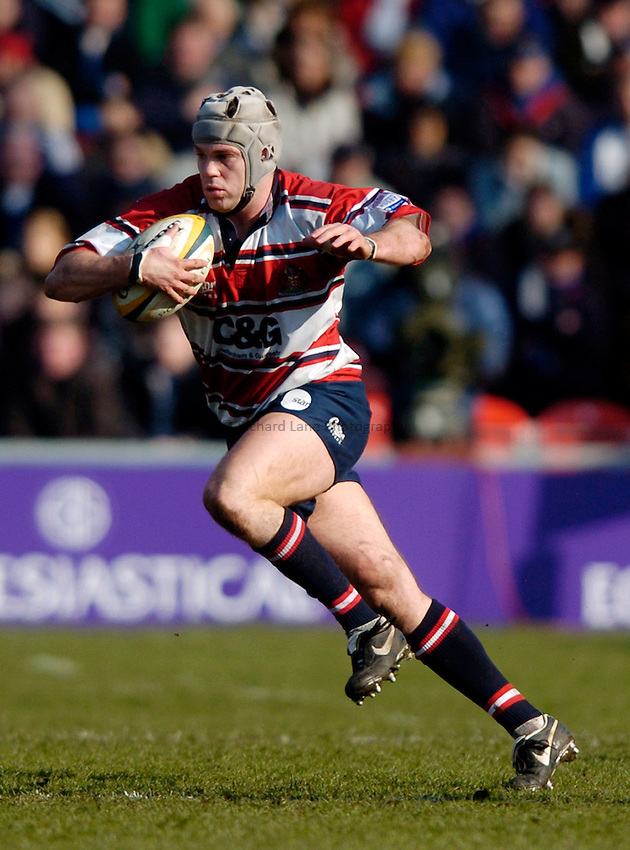 Photo. Richard Lane..Gloucester v Bath Rugby. Powergen Cup. 06/03/2005..Andy Hazell attacks.