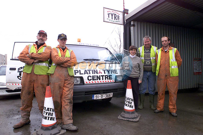Platin Tyre Centre. L?R,  Tommy McGuinness, gary Reilly, Stephanie Davis, secetary, gerard McKenna, owner and Paul Rooney, manager..Picture: Paul Mohan/Newsfile