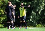 Stockholm 2014-08-30 Fotboll Superettan Hammarby IF - Tr&auml;ning :  <br /> Kennedy Bakircioglu diskuterar med Viktor Nordin och Jonathan Tamimi Syberg under Hammarbys tr&auml;ning p&aring; &Aring;rsta IP l&ouml;rdag den 30 augusti<br /> (Foto: Kenta J&ouml;nsson) Nyckelord:  Tr&auml;ning Tr&auml;na &Aring;rsta IP Hammarby Bajen diskutera argumentera diskussion argumentation argument discuss