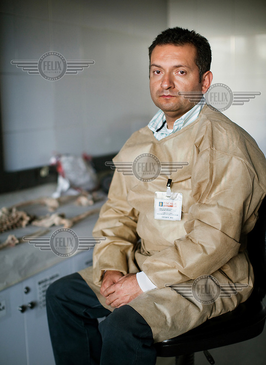 Juan Carlos Leon works for the Colombian Attorney General's office as the head of the unit charged with identifying the remains of the bodies of disappeared people. He explains that investigations lead to exhumations; the unidentified remains then come to his lab, where a team of forensic experts analyze them for identity markers.