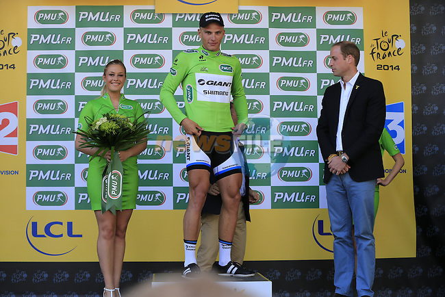 Marcel Kittel (GER) Team Giant-Shimano wins Stage 1 and is presented with the 1st Green Jersey by HRH The Duke of Cambridge at the end of the 2014 Tour de France running 190.5km from Leeds to Harrogate. 5th July 2014.<br /> Picture: Eoin Clarke www.newsfile.ie