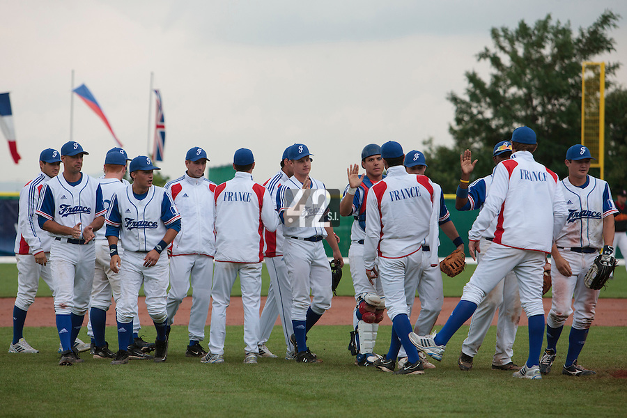 27 july 2010: Team France celebrates a 8-2 victory over Belgium, in day 5 of the 2010 European Championship Seniors, in Stuttgart, Germany.