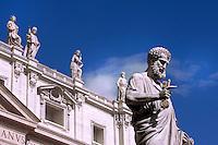 Statue St Peter Basilica St Peter at the Vatican, April 15, 2009.