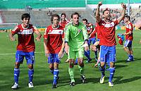 FUSSBALL   DFB POKAL   SAISON 2011/2012  1. Hauptrunde SpVgg Unterhaching - SC Freiburg             31.07.2011 Jonas Hummels, Stephan Thee, Stefan Riederer, Yasin Yilmaz  (v. li., Unterhaching)