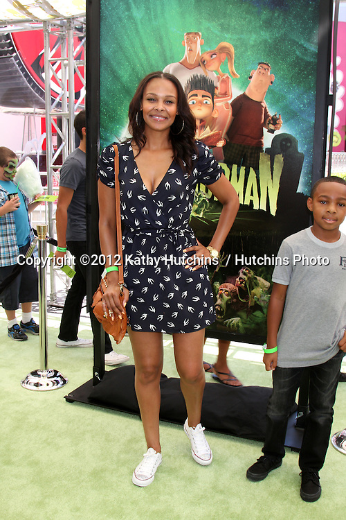 """LOS ANGELES - AUG 5:  Samantha Mumba arrives at the """"ParaNorman"""" Premiere at Universal CityWalk on August 5, 2012 in Universal City, CA"""