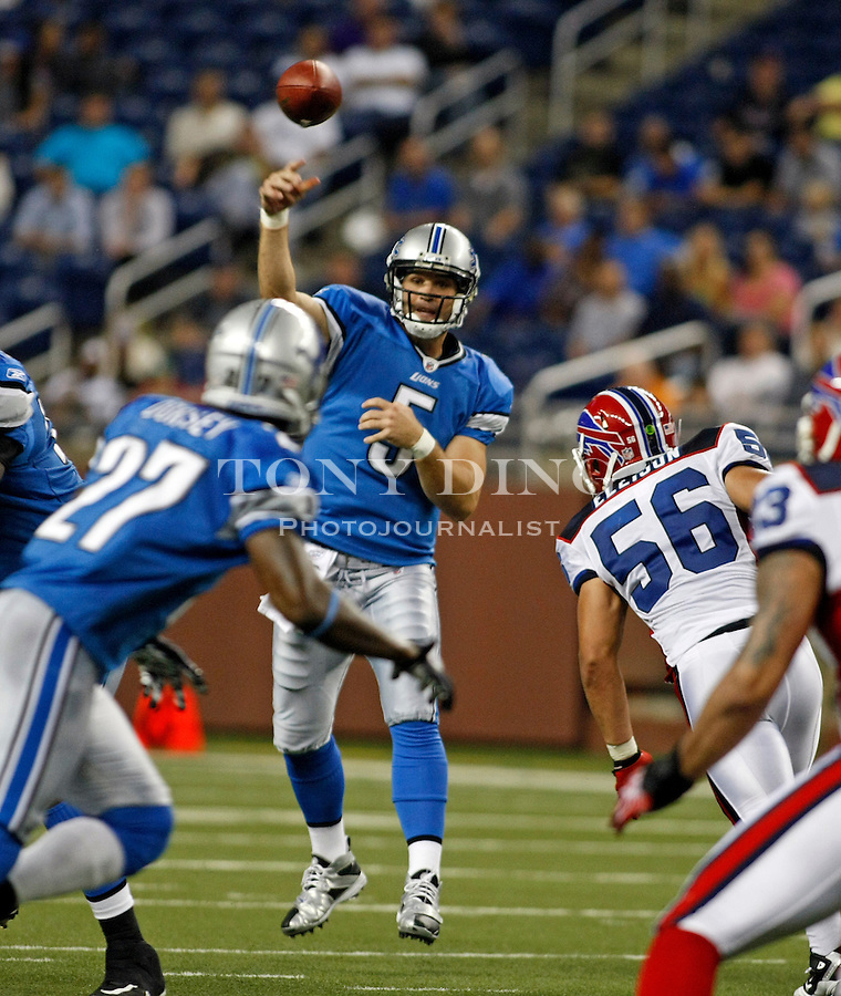 Detroit Lions running back DeDe Dorsey (27) looks for a pass thrown by quarterback Drew Stanton (5), in the third quarter of a preseason NFL football game with the Buffalo Bills, Thursday,  Sept. 2, 2010, in Detroit. The Lions won 28-23. (AP Photo/Tony Ding)