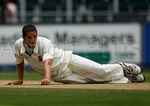 CENTURION, SOUTH AFRICA - 14 January 2010: Wayne Parnell during the 4th Castle Test Match (DAY 1) between South Africa v England held at The Bidvest Wanderers Stadium in Johannesburg, South Africa.  PHOTO: APA-Photo/Actionplus-Editorial Licenses Only.