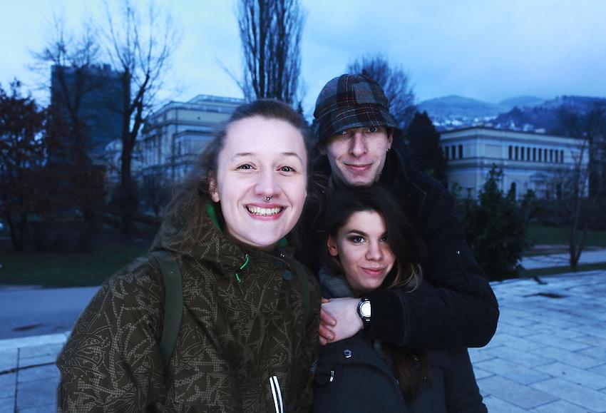 Bosna je u Evropi a Evropa u Svijet. Bilo bi mi drago. / Povezivanje i komunikacija je sadasnjost i nadam se bolja buducnost - Bosna je geografski u Evropi !