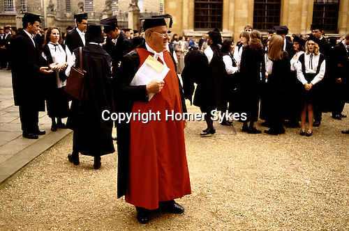'OXFORD UNIVERSITY' 1995, MATRICULATION DAY AT THE SHELDONIAN THEATRE. MASTER IN CHARGE OF STUDENTS, 1995