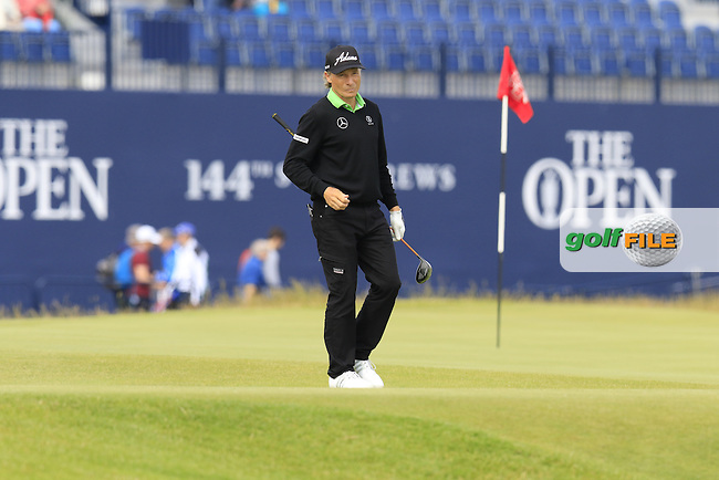 Bernhard Langer (GER) walks to the 18th tee during Monday's Final Round of the 144th Open Championship, St Andrews Old Course, St Andrews, Fife, Scotland. 20/07/2015.<br /> Picture Eoin Clarke, www.golffile.ie