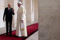 Giorgio Napolitano  e Papa Francesco Bergoglio<br /> Roma 14-11-2013 Il Papa in visita di Stato al Quirinale.<br /> Pope Francis visits the Quirinale and the Italian President of the Republic<br /> Photo Samantha Zucchi Insidefoto