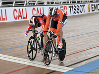 CALI – COLOMBIA – 17-01-2015: Melissa Erickson de Estados Unidos (Izq.) y Elis Ligtlee de Holanda (Der.) en la prueba de Velocidad Damas en el Velodromo Alcides Nieto Patiño, sede de la III Copa Mundo UCI de Pista de Cali 2014-2015  / Melissa Erickson of United States (L) and Elis Ligtlee of Nederland (R) in the Women´s Sprint Race at the Alcides Nieto Patiño Velodrome, home of the III Cali Track World Cup 2014-2015 UCI. Photos: VizzorImage / Luis Ramirez / Staff.
