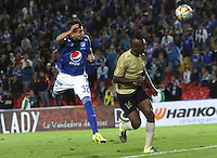 BOGOTA - COLOMBIA - 30-08-2015: Jhonatan Agudelo jugador de Millonarios  convierte su gol contra  Aguilas Doradas    durante partido  por la fecha 9 de la Liga Aguila II 2015 jugado en el estadio Nemesio Camacho El Campin . / Jhonatan Agudelo player of Millonarios scores his goal  against  of Aguilas Doradas during a match for the ninth date of the Liga Aguila II 2015 played at Nemesio Camacho El Campin stadium in Bogota  city. Photo: VizzorImage / Felipe Caicedo / Staff.