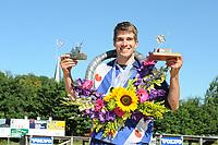 FIERLJEPPEN, WINSUM:  FK Fierljeppen, Oane Galama (Wiuwert)  wint met 20.22m, ©foto Martin de Jong