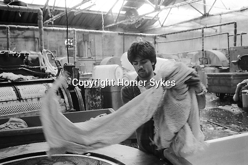 Asian male factory worker, Blackburn Lancashire 1980s.  Working in a dyeing factory  1983