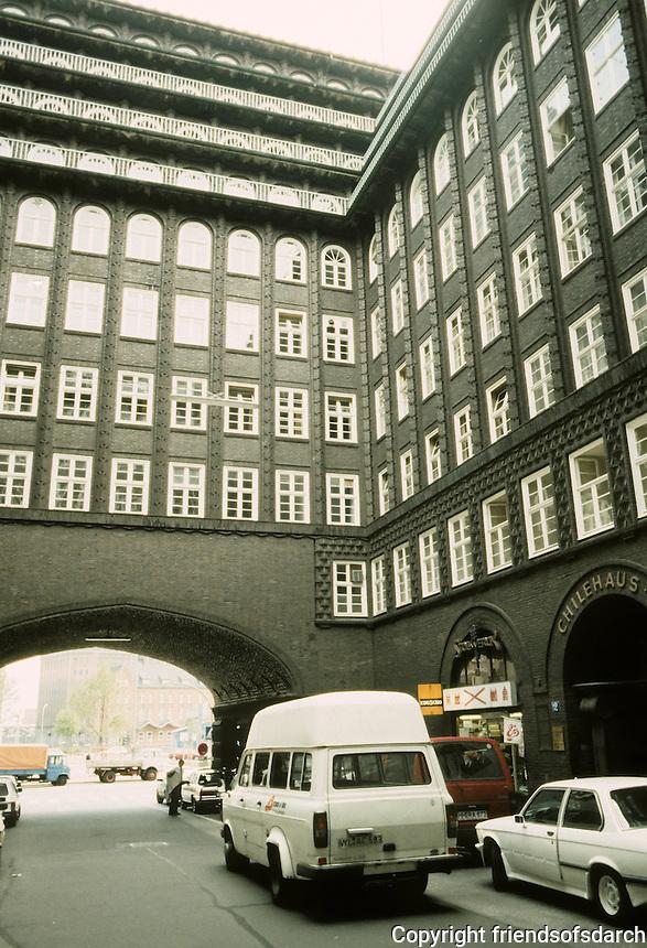 Fritz Hoger: Chilehaus, Hamburg 1923. Photo '87.