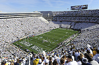 21 November 2015:  The Michigan Wolverines defeated the Penn State Nittany Lions 28-16 at Beaver Stadium in State College, PA. (Photo by Randy Litzinger/Icon Sportswire)