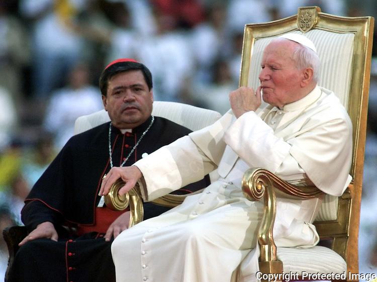 """Résultat de recherche d'images pour """"POPE JOHN PAUL II, mass"""""""
