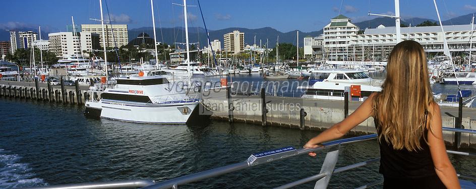 Océanie/Australie/Queensland/Cairns: le port avant le depart pour Port Douglas, les Iles Douglas et les Iles Low sur la grande Barriere de Corail