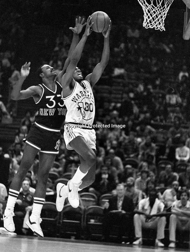 Golden State Warriors Bernard King #30..New York Knicks Sly Williams.<br />