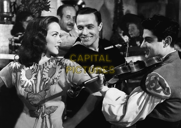 Kathryn Grayson & Gene Kelly .in Anchors Aweigh.*Filmstill - Editorial Use Only*.CAP/PLF.Supplied by Capital Pictures.