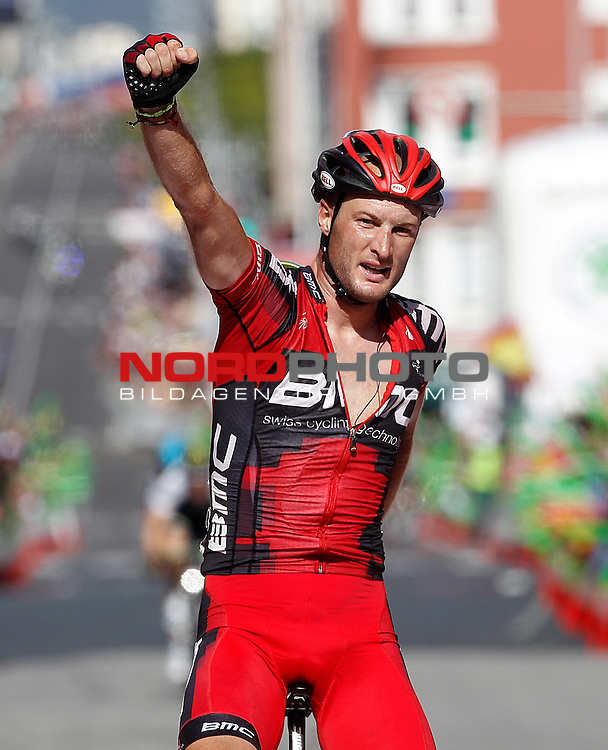 Stephen Cummings celebrates the victory in the stage of La Vuelta 2012 between Santiago de Compostela and Ferrol.August 31,2012. Foto © nph / Acero) *** Local Caption ***