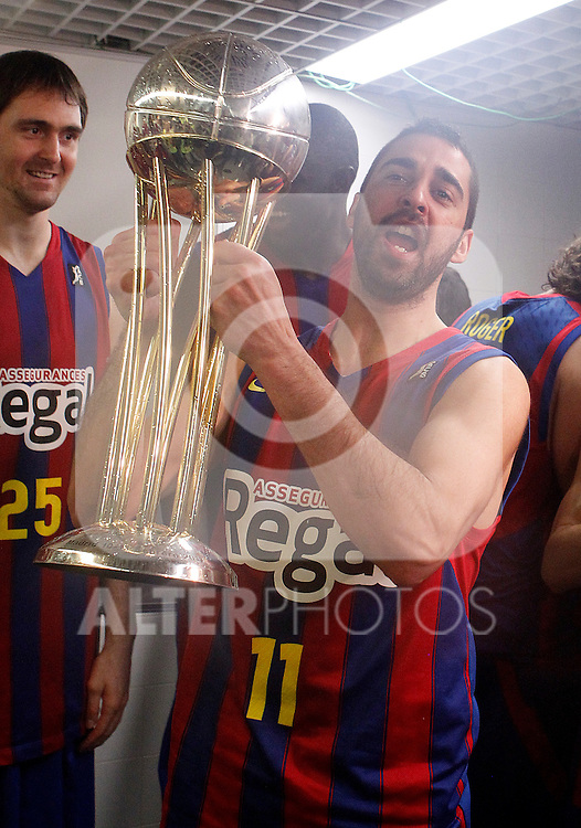 FC Barcelona's Juan Carlos Navarro celebrates the victory in the Spanish Basketball King's Cup Final match.February 13,2011. (ALTERPHOTOS/Acero)