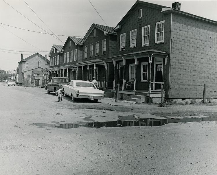 1969  May  20..Redevelopment.Bell-Diamond (A-1-3).Berkley...Dennis Winston.NEG# DRW69-21-20..