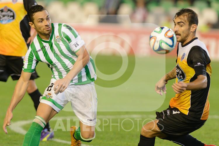 Sevilla, España, 15 de octubre de 2014: R. Castro (I) y Samu (D) durante el partido entre Real Betis y Lugo correspondiente a la jornada 5 de la Copa del Rey 2014-2015 celebrado en el estadio Benito Villamarain de Sevilla.