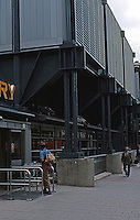 Nicholas Grimshaw: Sainsbury's, Camden Town. Entrance.  Photo '90.