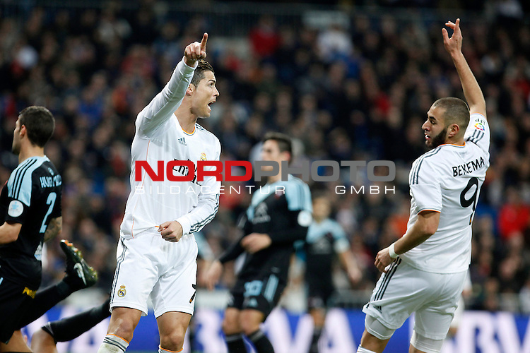 Real Madrid¬¥s Cristiano Ronaldo (L) and Benzema during La Liga match in Santiago Bernabeu stadium in Madrid, Spain. January 06, 2014. Foto © nph / Victor Blanco)