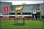 Nederland, Utrecht, 21-09-2011 Gouden Kalf voor de Stadsschuwburg enkele uren voor de officieele start van het Nederlands Film Festival. FOTO: Gerard Til