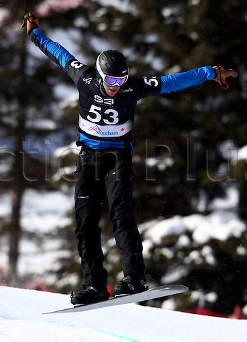 24.01.2013. Snowboarding FIS World Cup  SBX qualification day Stoneham,  Canada Snowboard Cross Qualification for men. Picture shows Lluis Marin Tarroch and