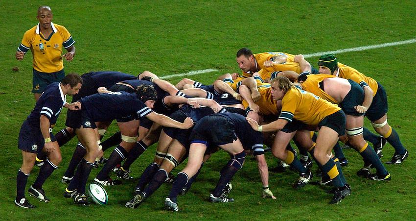 Photo: Richard Lane..Australia v Scotland.  Quarter-Final 2, at the Suncorp Stadium, Brisbane. RWC 2003. 08/11/2003..Scotland and Australia scrum.