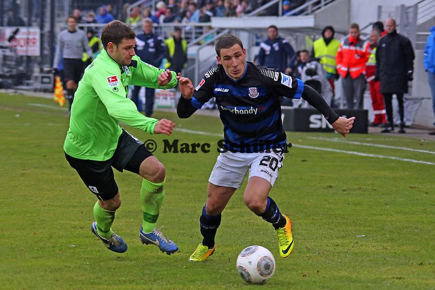 Matthew Leckie (FSV) gegen Moritz Volz (1860) - FSV Frankfurt vs. TSV 1860 München Frankfurter Volksbank Stadion