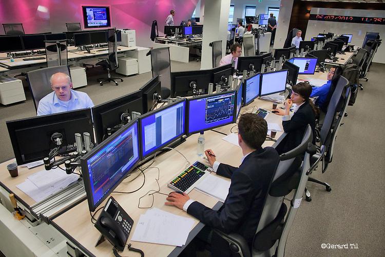 Nederland, Utrecht, 06-07-2012 De nieuwe dealingroom van de Rabobank, die maandag officieel in gebruik wordt genomen,  FOTO: Gerard Til / Hollandse Hoogte
